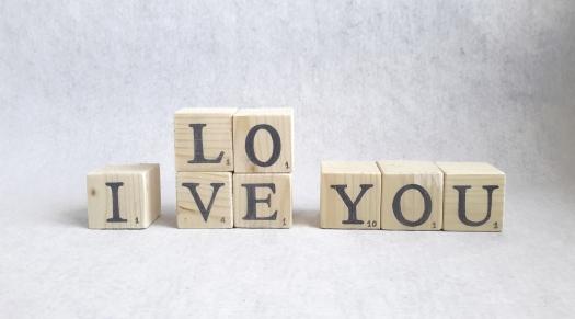 lettres cube ILY 4